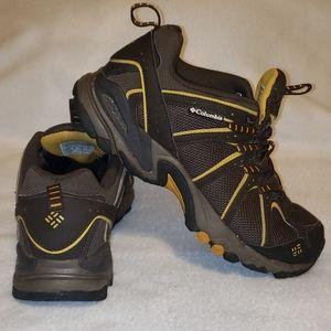 Columbia mens 8.5 hiking shoes